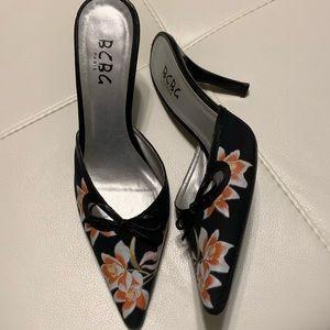BCBG Paris floral mules, heels, black-orange.
